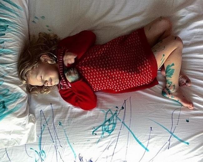 25 Imagens que comprovam que as crianças colocam nossa vida de cabeça pra baixo