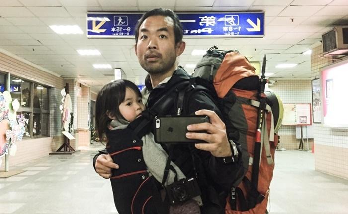 Pai faz viagem com filha de 2 anos sozinho e aprende valiosas lições para a vida