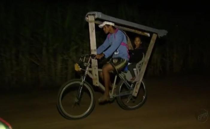 pai-constroi-bicicleta-adaptada-e-pedala-40-km-para-filha-estudar