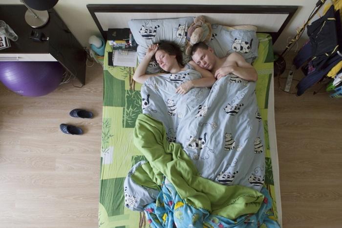 pais-dormindo-10