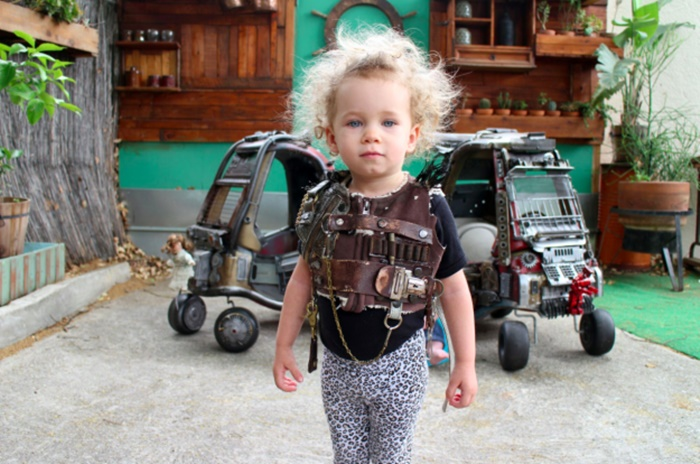 Pai transforma carrinhos dos filhos em máquinas Mad Max: Fury Road