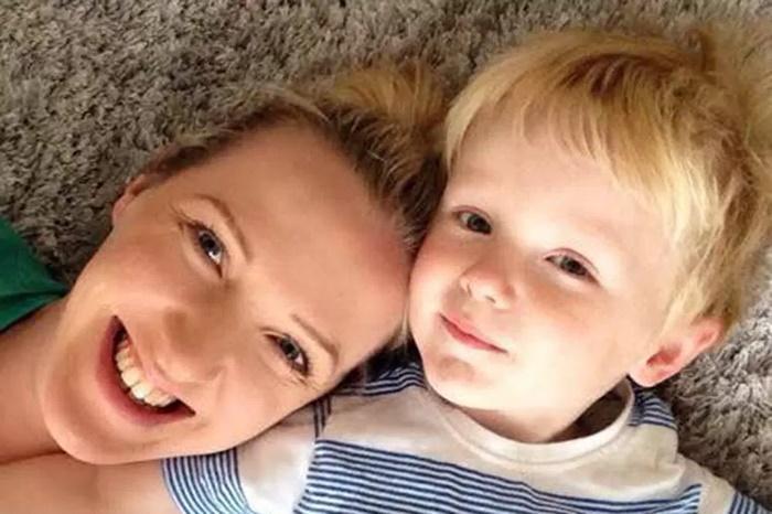 Mãe faz vídeo de um dia com filho após marido dizer que ela não faz nada