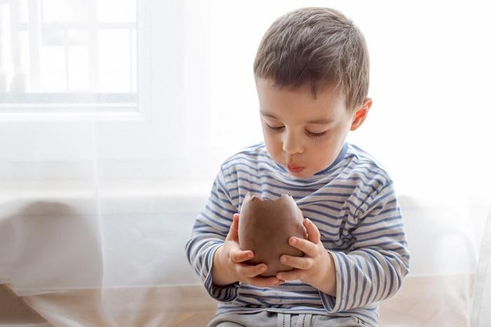 Com que idade posso dar chocolate ao meu filho?