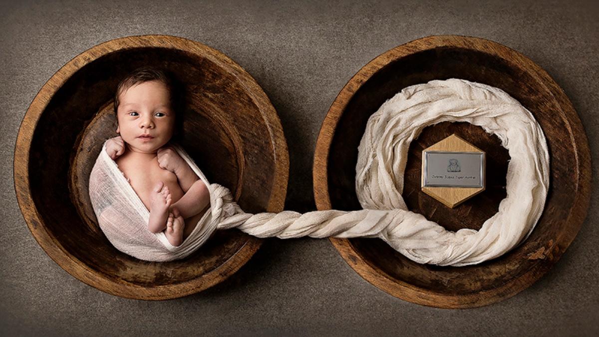Imagem de recém-nascido ao lado das cinzas de irmão gêmeo ganha prêmio internacional