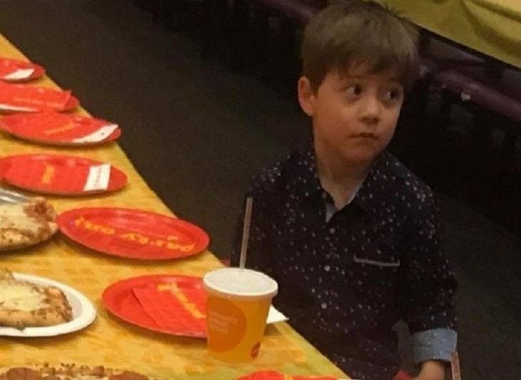 Menino faz aniversário, ninguém vai à festa, mas final acaba surpreendendo a todos